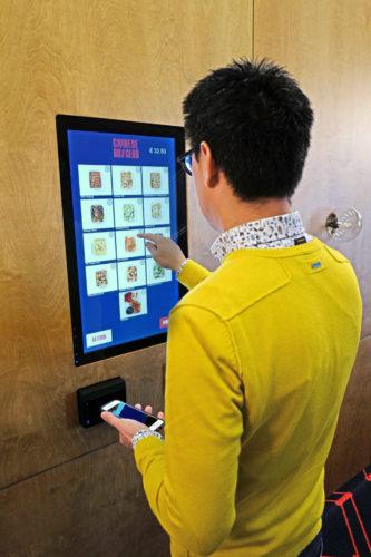 Het nieuwe digitale afhaalluik staat symbool voor de 'afhaalchinees'